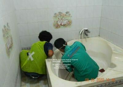 cuci-kamar-mandi-di-jarakosta-12