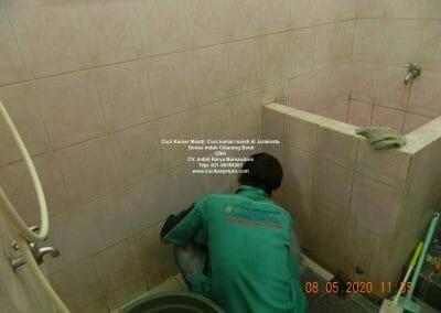 cuci-kamar-mandi-di-jarakosta-22