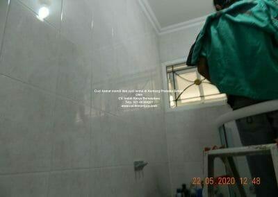 cuci-kamar-mandi-di-kemang-pratama-13