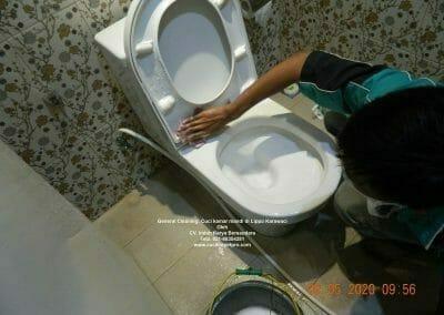 cuci-kamar-mandi-di-lippo-01