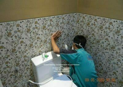 cuci-kamar-mandi-di-lippo-09