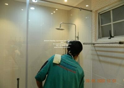 cuci-kamar-mandi-di-lippo-39