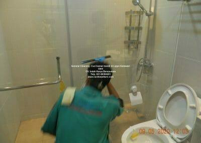 cuci-kamar-mandi-di-lippo-41