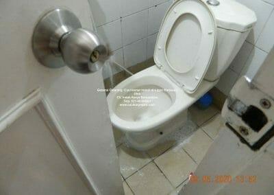 cuci-kamar-mandi-di-lippo-45