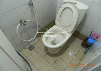 cuci-kamar-mandi-di-lippo-48
