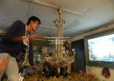 cuci-lampu-kristal-di-harapan-jaya-04