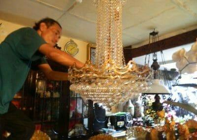 cuci-lampu-kristal-di-harapan-jaya-25