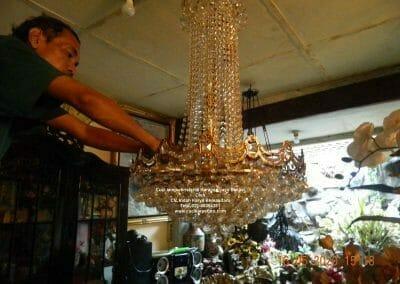 cuci-lampu-kristal-di-harapan-jaya-26