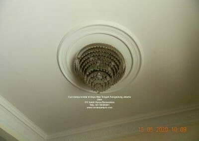 cuci-lampu-kristal-di-kayu-mas-09