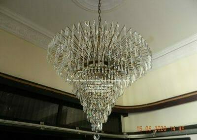 cuci-lampu-kristal-di-kayu-mas-22
