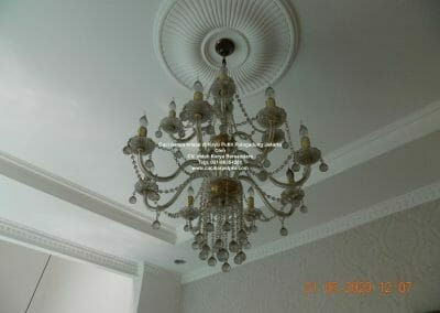 cuci-lampu-kristal-di-kayu-putih-09