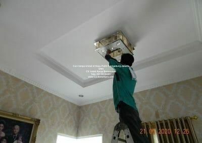 cuci-lampu-kristal-di-kayu-putih-11