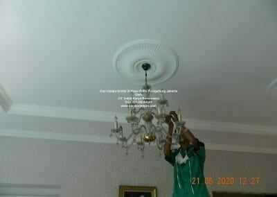 cuci-lampu-kristal-di-kayu-putih-12