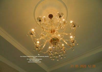 cuci-lampu-kristal-di-kayu-putih-13