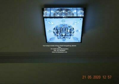 cuci-lampu-kristal-di-kayu-putih-18