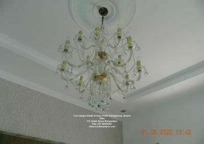 cuci-lampu-kristal-di-kayu-putih-24