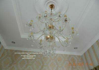 cuci-lampu-kristal-di-kayu-putih-26