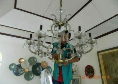 cuci-lampu-kristal-di-kelapa-cengkir-04