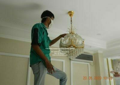 cuci-lampu-kristal-di-kemang-pratama-16