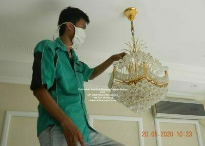 cuci-lampu-kristal-di-kemang-pratama-17
