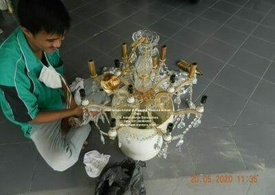 cuci-lampu-kristal-di-kemang-pratama-21