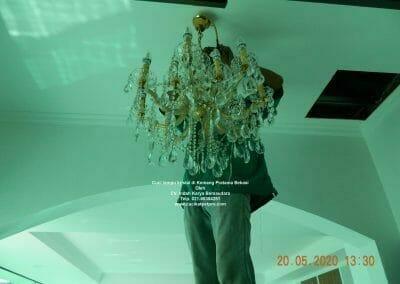 cuci-lampu-kristal-di-kemang-pratama-34