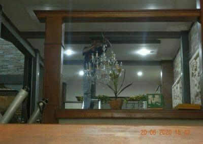 cuci-lampu-kristal-di-taman-04