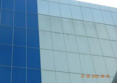 pembersih-kaca-gedung-bank-bri-06