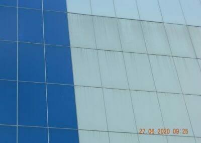 pembersih-kaca-gedung-bank-bri-09