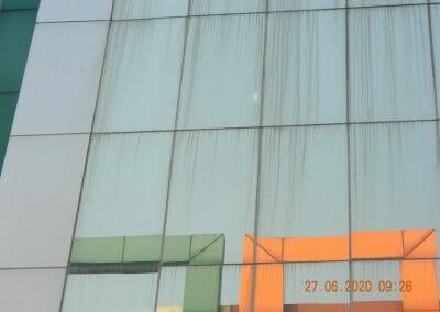 pembersih-kaca-gedung-bank-bri-11