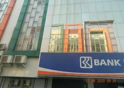 pembersih-kaca-gedung-bank-bri-12