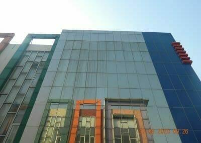 pembersih-kaca-gedung-bank-bri-14