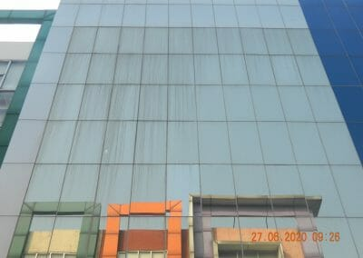 pembersih-kaca-gedung-bank-bri-15