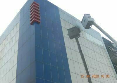 pembersih-kaca-gedung-bank-bri-18