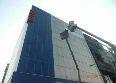 pembersih-kaca-gedung-bank-bri-22