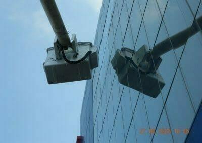pembersih-kaca-gedung-bank-bri-25