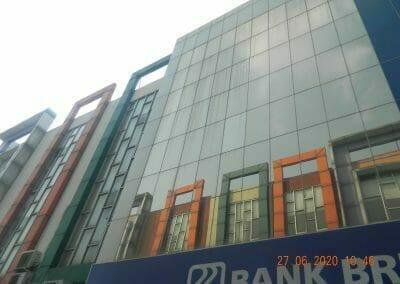 pembersih-kaca-gedung-bank-bri-28