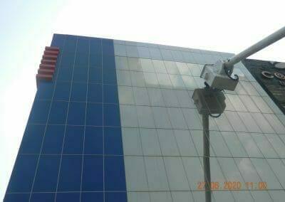 pembersih-kaca-gedung-bank-bri-31
