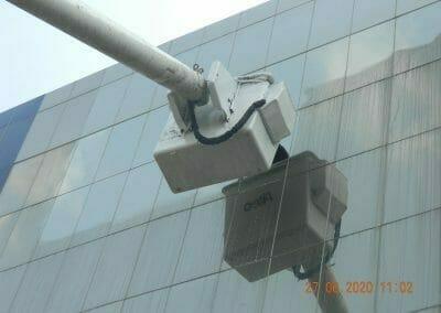 pembersih-kaca-gedung-bank-bri-33