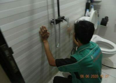 pembersih-kamar-mandi-di-cikarang-baru-01