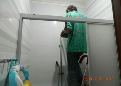 pembersih-kamar-mandi-di-cikarang-baru-05