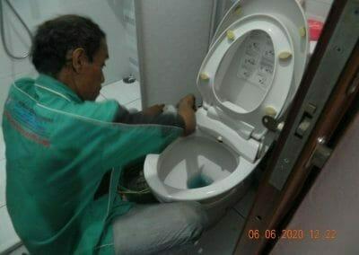 pembersih-kamar-mandi-di-cikarang-baru-06