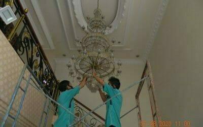 Cuci lampu kristal di perumahan Sunter Paradise Jakarta