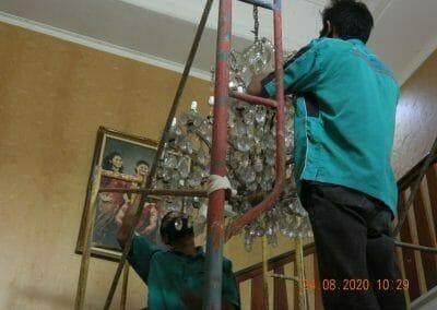 (021)-88354281-hotline-cuci-lampu-kristal-01