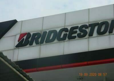 cuci-kaca-gedung-bridgestone-06