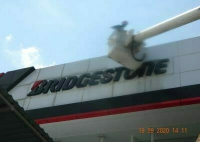 cuci-kaca-gedung-bridgestone-43