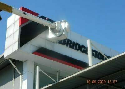 cuci-kaca-gedung-bridgestone-47