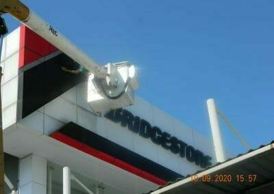 cuci-kaca-gedung-bridgestone-48