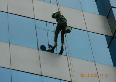 sealant-kaca-gedung-graha-kencana-05