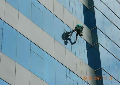 sealant-kaca-gedung-graha-kencana-08